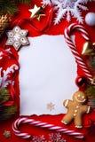 Cartão do Natal; decoração da árvore de Natal no vermelho Fotos de Stock