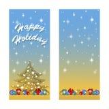 Cartão dois para os feriados de inverno Abaixo de um número de bolas brilhantes da árvore de Natal, de silhueta da árvore com flo Foto de Stock