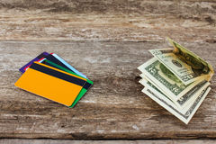 Cartão e dólares de crédito fotografia de stock