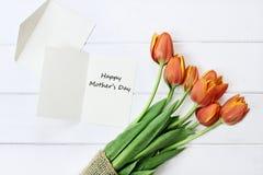 Cartão e tulipas do dia de mães Imagens de Stock Royalty Free