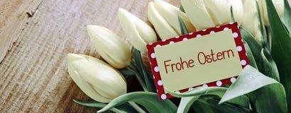Cartão e tulipas felizes de Páscoa fotos de stock