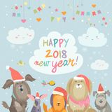 Cartão feliz do ano 2018 novo Os cães engraçados felicitam no feriado Imagem de Stock Royalty Free