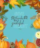 Cartão feliz do dia da ação de graças com folhas e abóboras de outono no fundo azul Foto de Stock Royalty Free