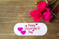 Cartão feliz do dia de Valentim para comemorar o amor fotos de stock royalty free