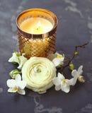 Cartão festivo do convite com flores bonitas Fotografia de Stock Royalty Free