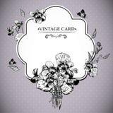 Cartão floral do vintage com violetas e borboletas Imagens de Stock Royalty Free