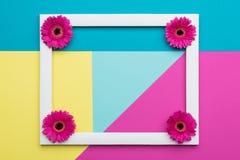 Cartão geométrico dos testes padrões do minimalismo floral da configuração do plano Dia feliz do `s da matriz Fotografia de Stock Royalty Free