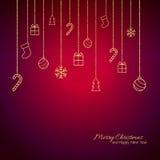 Cartão liso do Natal com quinquilharias do ouro Fundo vermelho Imagem de Stock Royalty Free