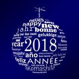 cartão multilingue da nuvem da palavra do ano 2018 novo na forma de uma bola do White Christmas no fundo azul Fotos de Stock Royalty Free