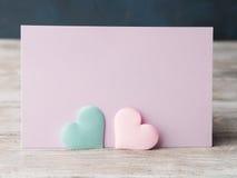 Cartão pastel cor-de-rosa e verde do roxo dos corações Foto de Stock Royalty Free