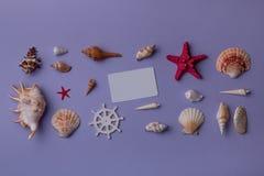 Cartão pequeno da essência e lembranças marinhas Fotos de Stock Royalty Free