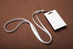 Cartão plástico vazio da identificação da identificação incorporada, etiqueta do nome Modelo fotografia de stock royalty free