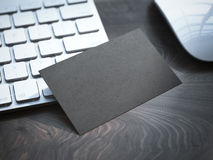 Cartão preto vazio no teclado Imagens de Stock