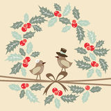 Cartão retro com pássaros, azevinho do Natal Fotografia de Stock