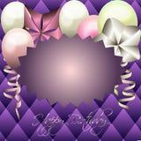 Cartão roxo para o convite, cartão de aniversário com quadro e balão Imagens de Stock