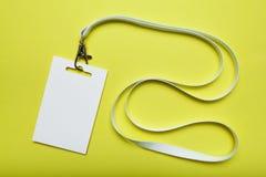 Cartão vazio da identificação em uma correia em uma exposição ou em uma conferência Modelo fotografia de stock