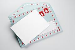 Cartão vazio do Natal e envelope bordado tela Fotos de Stock Royalty Free