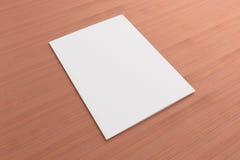 Cartão vazio no fundo de madeira Fotografia de Stock Royalty Free