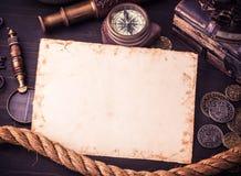 Cartão velho e acessórios marinhos velhos Imagens de Stock Royalty Free