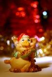 Cartão vermelho de ano novo com porco Fotografia de Stock Royalty Free
