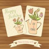 Cartões birthaday felizes no fundo de madeira Gretting Foto de Stock