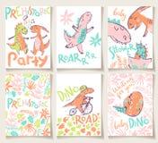 Cartões bonitos com dinossauros Convite do partido, festa do bebê, cartaz ilustração royalty free