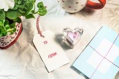 Cartões bonitos, etiquetas, petúnia, forma do coração Fotografia de Stock