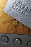 Cartões cinzentos e dourados da tira de banco Foto de Stock