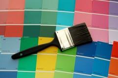 Cartões da escova e da cor de pintura Foto de Stock Royalty Free