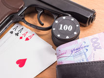 Cartões da pistola e de jogo Fotos de Stock