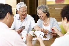 Cartões de jogo asiáticos superiores dos povos fotos de stock royalty free