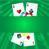 Cartões de jogo e microplaquetas de pôquer Fotos de Stock Royalty Free