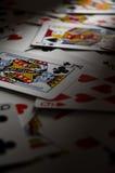 Cartões de jogo na tabela Foto de Stock