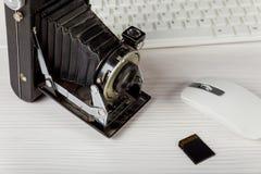 Cartões de memória velhos do teclado do cartão flash da câmera Fotos de Stock