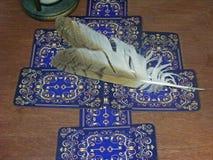 Cartões de tarô do vintage Leitor de cartão fotografia de stock