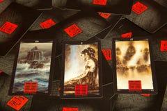 Cartões de tarô chineses com hexagrams Fotografia de Stock Royalty Free
