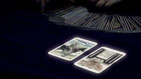 Cartões de Tarot vídeos de arquivo