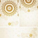 Cartões do convite do vintage com as grandes flores e ondas. Imagens de Stock
