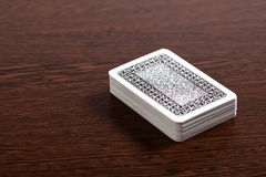 Cartões do póquer na tabela fotos de stock royalty free