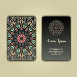 Cartões luxuosos com o ornamento floral da mandala Elementos decorativos do vintage Imagem de Stock Royalty Free