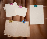 Cartões no clothespin Foto de Stock Royalty Free