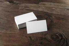Cartões no fundo de madeira Imagens de Stock