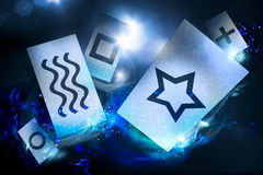 Cartões psíquicos em um fundo escuro fotografia de stock royalty free