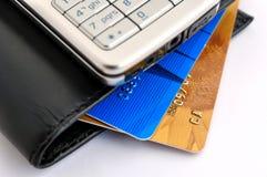 Cartões, telemóvel e carteira de crédito Fotografia de Stock Royalty Free