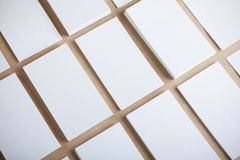 Cartões vazios em ofícios fundo, projeto da identidade, corp Foto de Stock