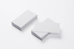 Cartões vazios sobre no branco Fotografia de Stock Royalty Free