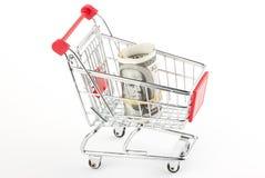 cart att shoppa för dollar Arkivbilder