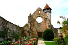 Carta中世纪修道院废墟看法在锡比乌, Transilvania附近的 免版税库存图片