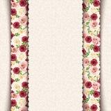 Carta beige d'annata dell'invito con il modello delle rose Vettore EPS-10 Immagini Stock