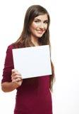 Carta in bianco bianca della tenuta della ragazza dell'adolescente Fotografia Stock Libera da Diritti